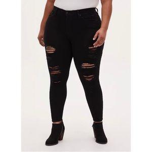 🆕 Black Premium Stretch Sky High Skinny Jeans 20 R NWT Torrid New!